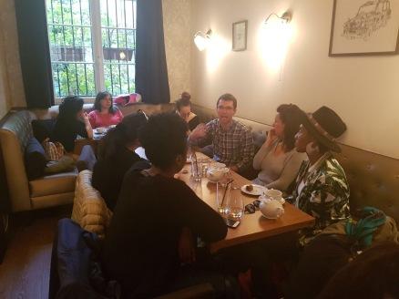 """Au Restaurant """"T'Cup"""" avec le premier groupe de """"Language experience"""""""